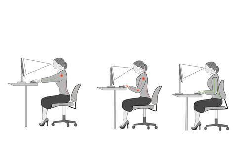 jak siedzieć przy biurku